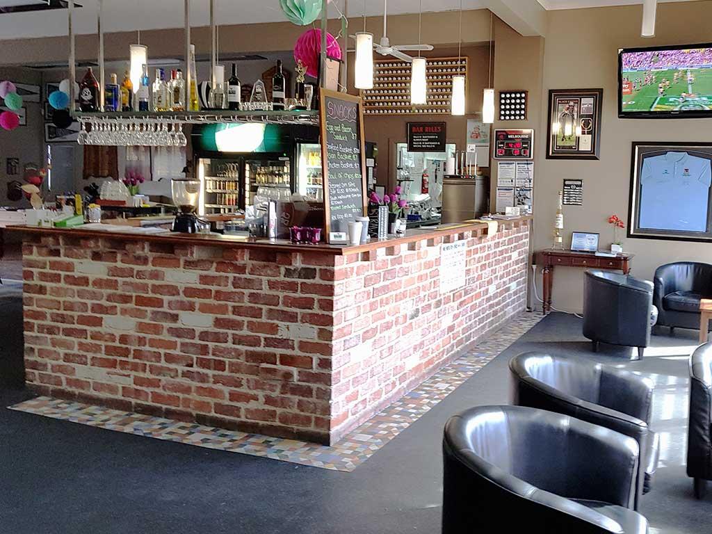 The 19th Tee Bar